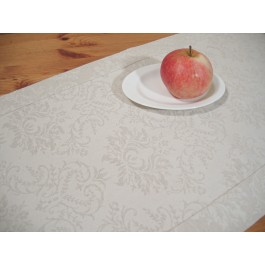 Table runner with 5cm border