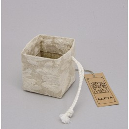 Gift box with stiffening lining