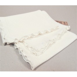 Tablecloth with decorated edge